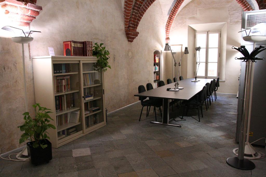Sala consultazione biblioteca